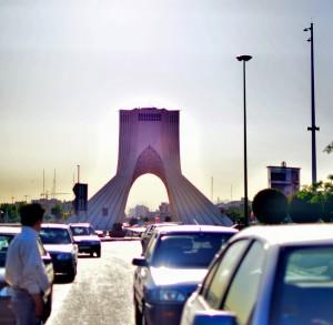 Stolp Azadi v Teheranu